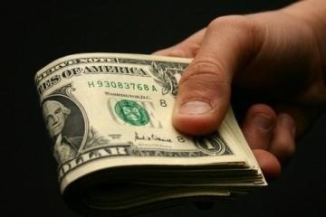 Состоятельные россияне доверяют валюте