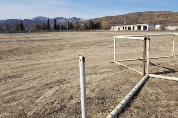 Директриса крымской школы спутала футбол с несанкционированным митингом
