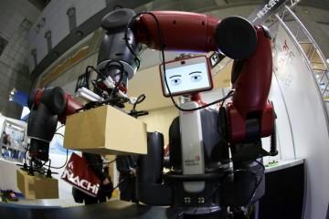Люди будут поправлять роботов мысленно