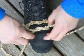 На шнурки действуют чудовищные силы