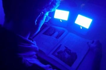 Голубой свет делает спортсменов сильнее по вечерам
