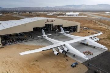 Ракеты будут взлетать в космос с самого большого в мире самолета