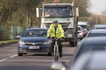 Автопилот Теслы смертельно опасен для велосипедистов?