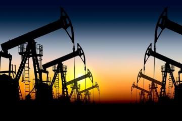 Цены на бензин внепланово взлетят из-за Крыма и Калининграда