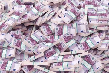 Туалеты одного банка и трех ресторанов Женевы засорились банкнотами в €500