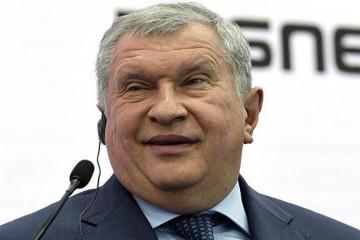 Игорь Сечин отказался явиться в суд из-за встречи с воображаемым Медведевым