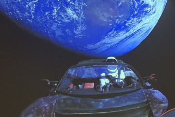 Космическую «Теслу» Илона Маска признали звездолетом