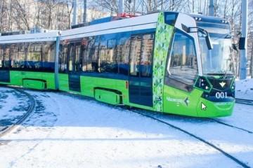 По Питеру поехали бесплатные частные трамваи