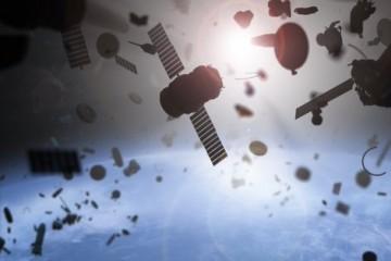 Илон Маск отправил на орбиту первого космического уборщика