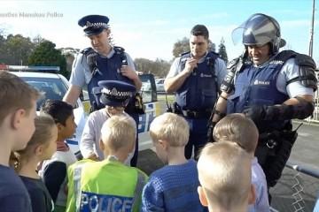 В Новой Зеландии к пятилетнему мальчику на день рождения пришли копы