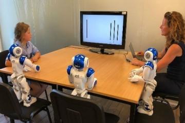 Мнение роботов передается детям как инфекция