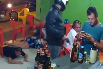 Бразилец так ушел в переписку на смартфоне, что не заметил ограбления