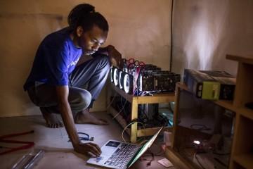 Новости криптовалют из Кении - как заплатить биткоинами за стейк