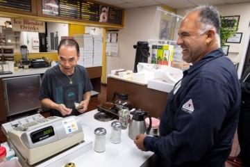 Клиенты подарили калифорнийскому пекарю самое дорогое – время