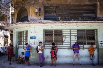 Кубе открыли Твиттер