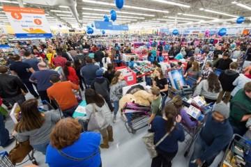 ИИ от Walmart стал следить за каждым звуком в каждом магазине