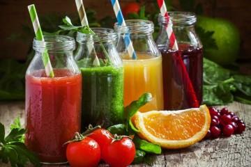 Ученые не нашли большой разницы между свежевыжатыми соками и Колой
