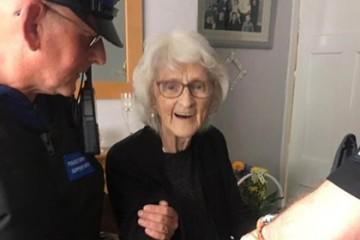 Полиция исполнила заветное желание 93-летней бабули попасть за решётку