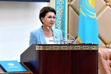 Спикером казахстанского сената переизбрали дочь Назарбаева