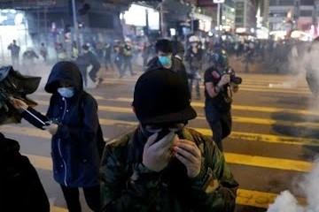 Длительные протесты наносят вред психике населения