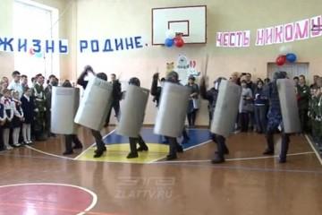 В сибирской школе торжественно открыт класс будущих тюремщиков